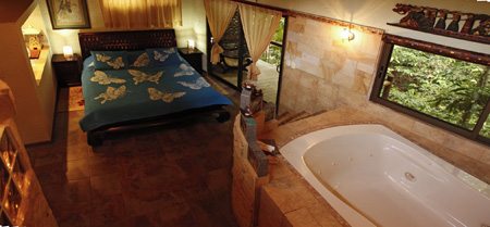 Costa Rica Honeymoon, Honeymoon Jacuzzi Suite
