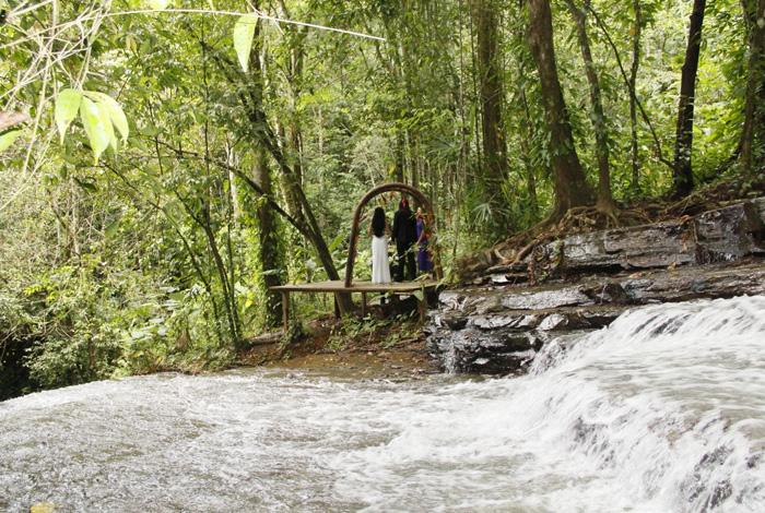 Wedding Destination in Costa Rica | Intimate Waterfall Wedding